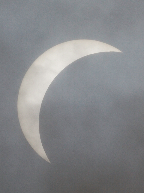 090722eclipse1.jpg 480×640 104K